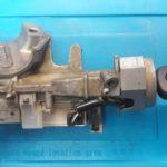 Honda Fit сломался замок зажигания из-за износа внутренних секретов механического ключа