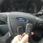 Запрограммировал оригинальный выкидной чип ключ с кнопками в автомобиль Форд Транзит