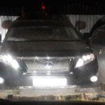 Мастер компании открыл Lexus Rx450H через замочную скважину двери, без отгибания двери