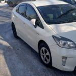 Toyota Prius разрядился аккумулятор аварийным ключом дверь не открывалась