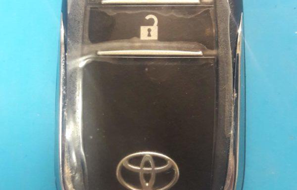 Ключ для Toyota Hilux 2015