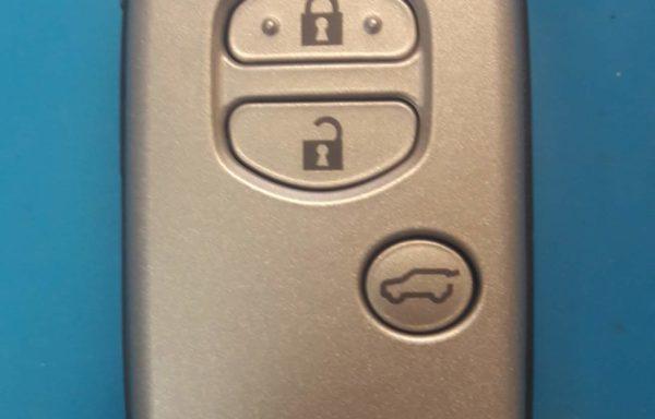 Ключ для Toyota Land Cruiser 200 2012-2015