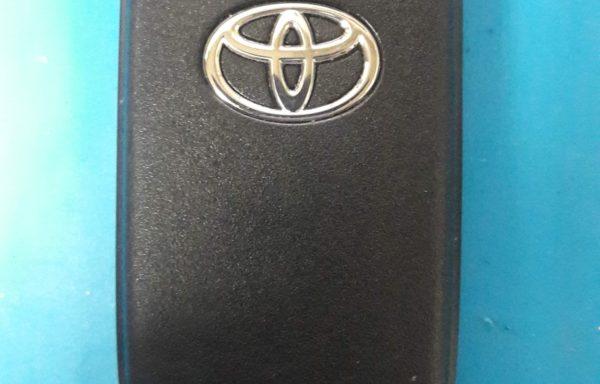 Ключ для Toyota Corolla 2010-2013