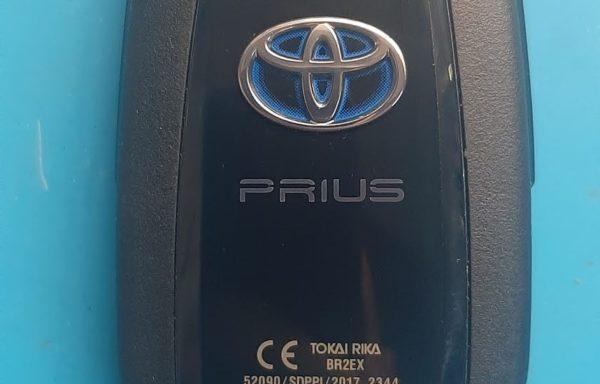 Ключ для Toyota Prius 2015