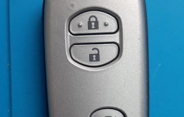 Ключ для Toyota Camry 2010-2011