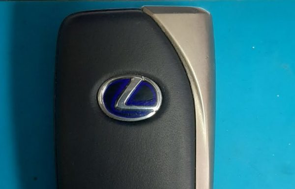 Ключ для Lexus LS с 2012 года