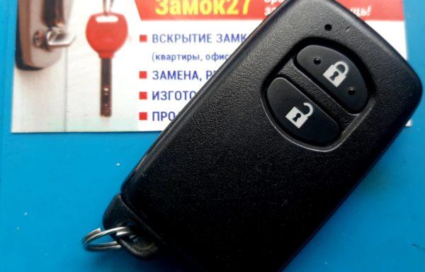 Ключ для Toyota IQ 2008